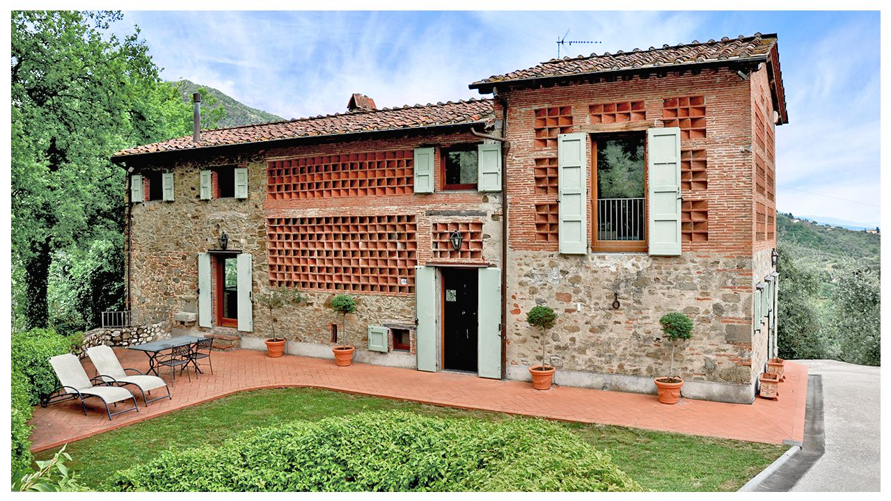 Country House for sale in Lucca Tuscany Italy COVER   FineTuscany.com