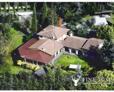 Villa for sale in Bientina, Tuscany, Italy - Aerial view