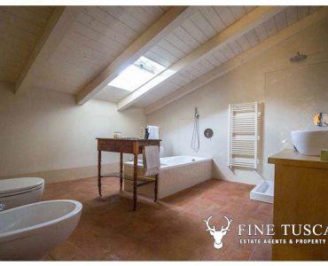 Property for sale in Nibbiaia, Rosignano Marittimo, Livorno, Tuscany