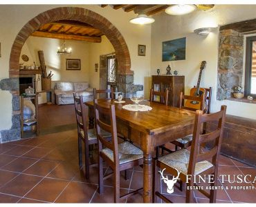 Country house for sale in Canneto, Monteverdi Marittimo, Tuscany