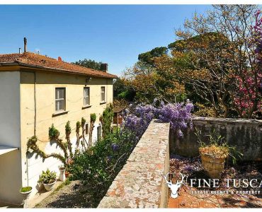 Period villa for sale in Collesalvetti, Livorno, Leghorn, Tuscany, Italy