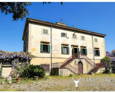 Period villa for sale in Collesalvetti, Livorno, Leghorn, Tuscany, Italy
