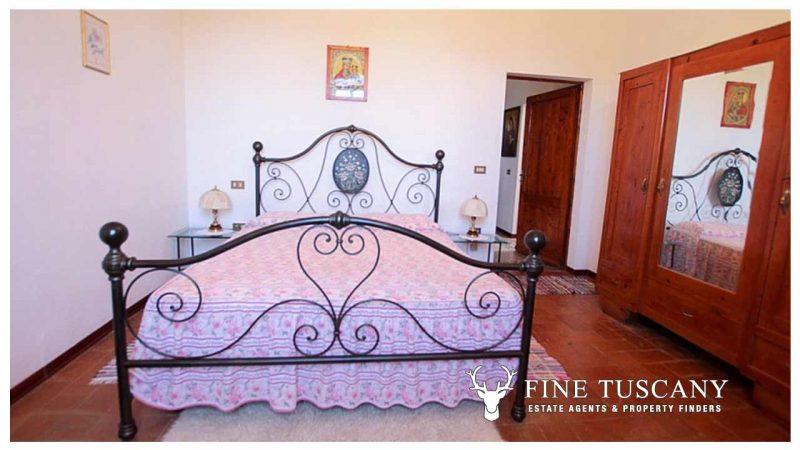 Period villa for sale in Palaia Pisa Tuscany