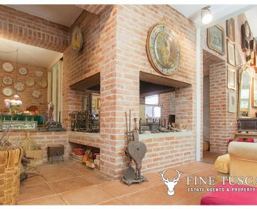 Architectural Villa by Gae Aulenti for sale in Pisa Tuscany Italy